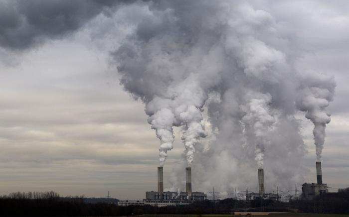Krisi klimatikoa: krisi bati aurre eginez, beste krisi batetik ateratzeko